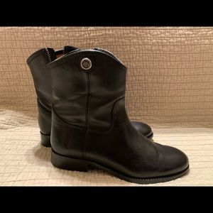 Women's Frye low zip boot in black leather